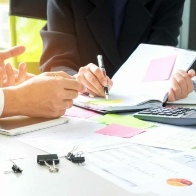 executives-are-instructing-secretaries-to-take-notes-concept-ima-ot3d0e76c6y02xjbz13tn2q7601ivlim4iuuj97jj4