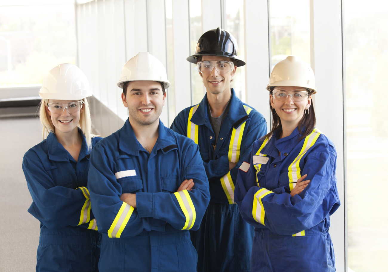 3.2_Oilfield+workers+3